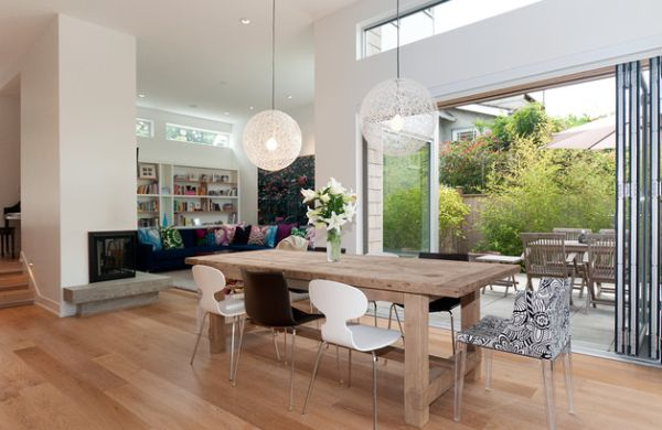 Pendant-lights-bring-focussed-lighting-to-the-dining-area